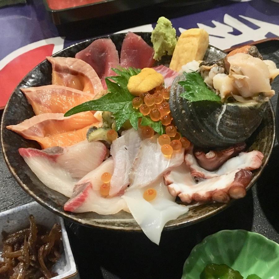 淡路島の海鮮丼