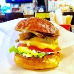 本格ハンバーガーショップ「ニック&レネイ」は美味しすぎる!
