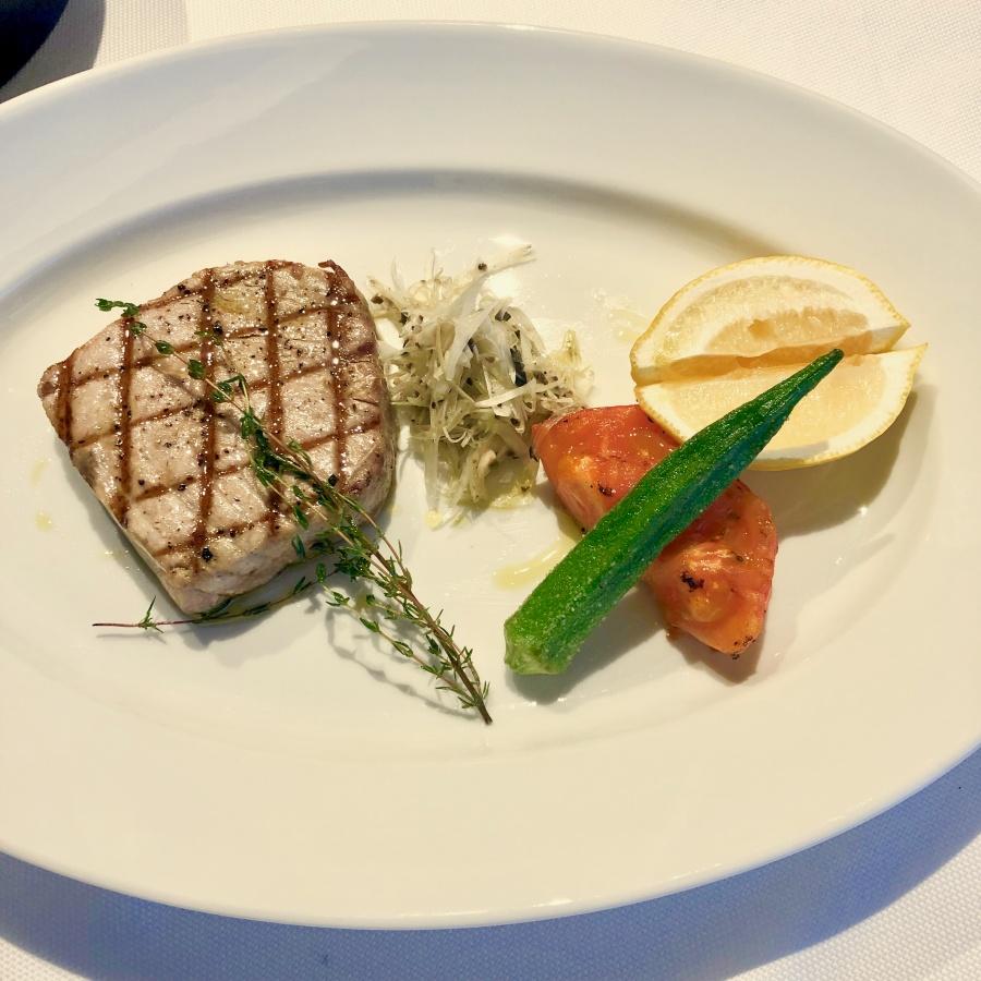 ハレクラニ沖縄のレストラン「KINGDOM」キングダム